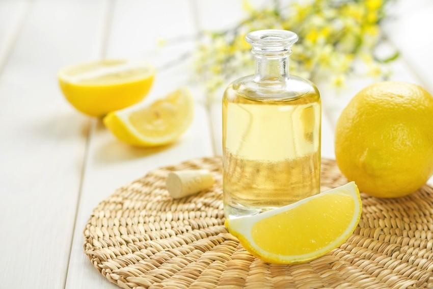 LemonEssentialOil-850x567 CpYMPV